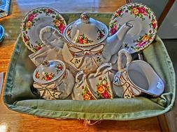 ROYAL ALBERT Bone China, Old Country Roses Basketweave Tea S