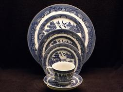 Johnson Bros. Blue Willow Eight 5 Pc Place Settings