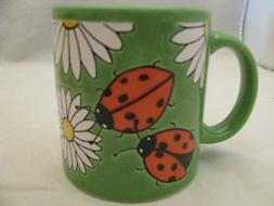 Daisies with Lady Bugs on Green Mug 12oz Waechtersbach Germa