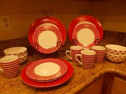 Pfaltzgraff Everyday Kenna Red 16 Piece Dinnerware Set - NEW