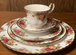 """FLAWLESS Royal Albert """"Old Country Roses"""" FIVE  Piece Place"""