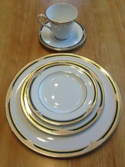 Royal Doulton Forsyth fine bone china NEW dinner set