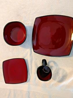 Gibson GE Soho Lounge 16 Piece Square Dinnerware set red/bla