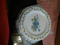Gold Coast 16 Piece Butterfly Floral Dinnerware Set.