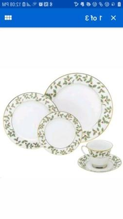 Noritake Holly and Berry - 40 piece set, service for eight