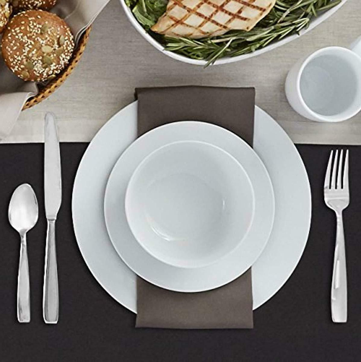 AmazonBasics 16-Piece Set, Plates, Bowls, Service for