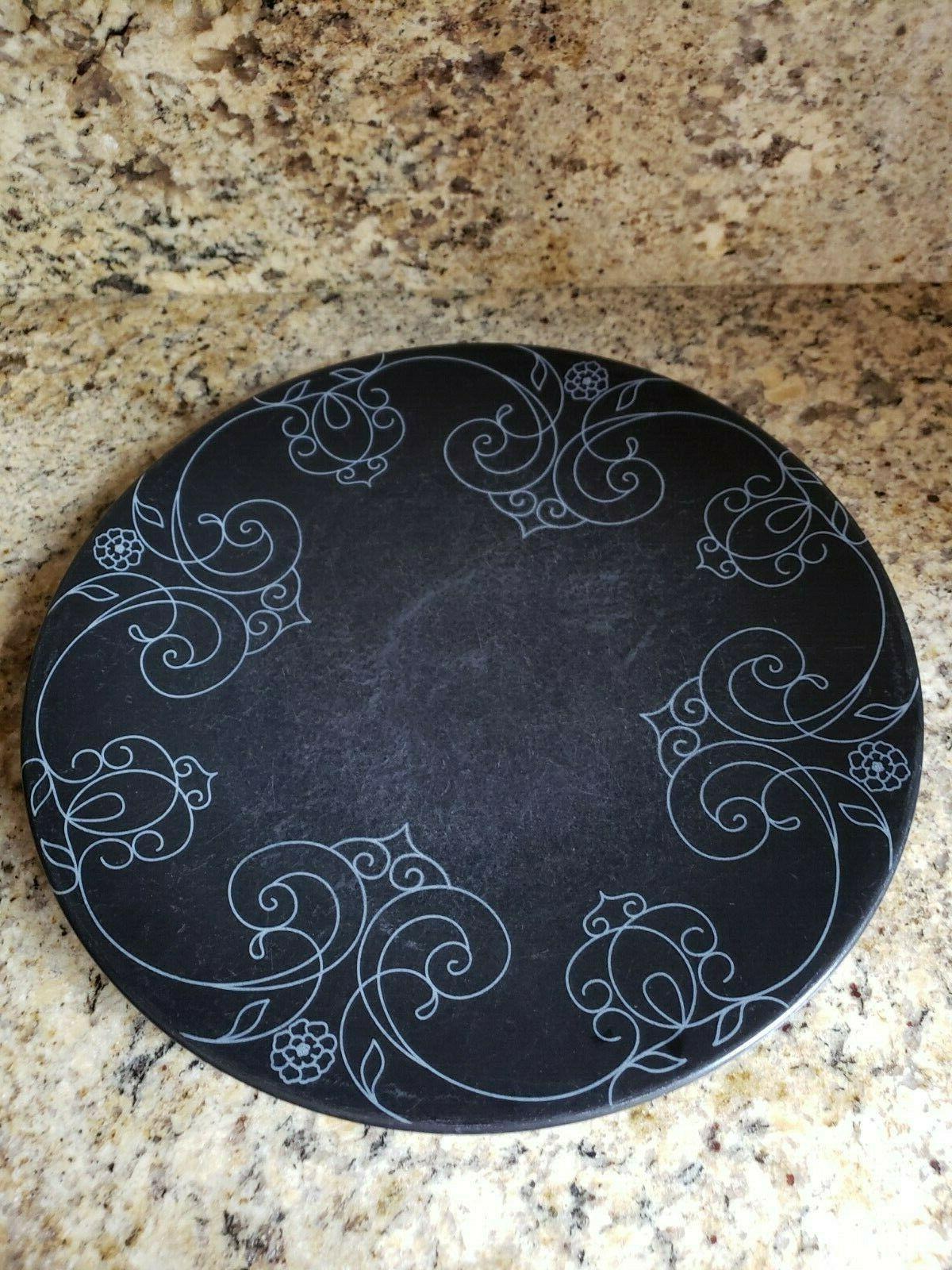 Brand New 16 Piece Oneida Dinnerware