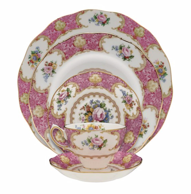 brand new lady carlyle 40 piece china