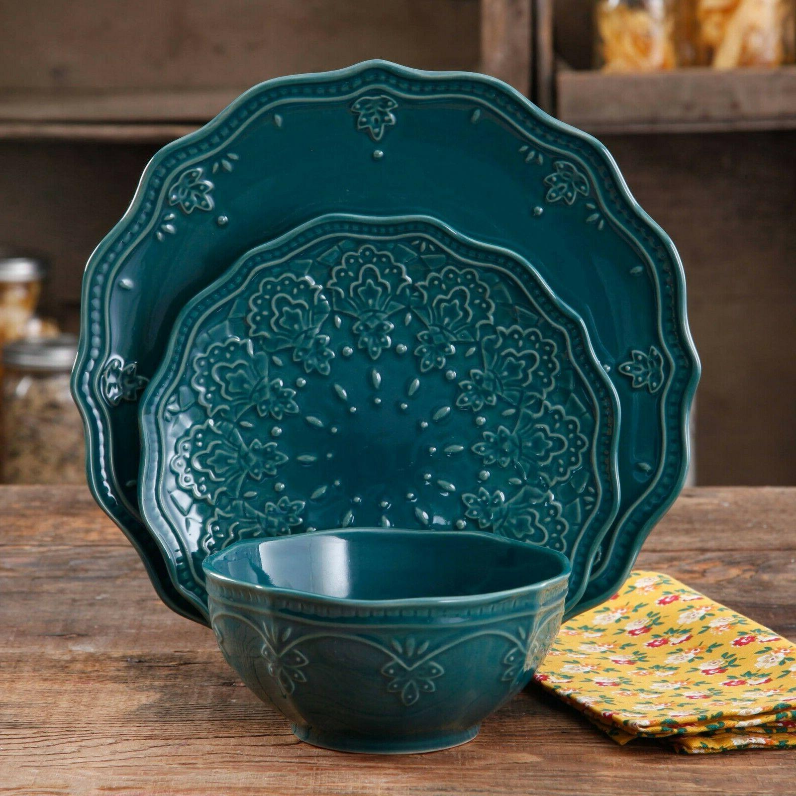 The Pioneer Lace 12-Piece Set, Teal