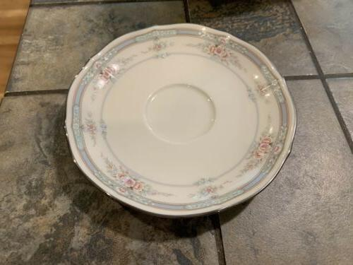 NORITAKE 5 PIECE PLACE SETTING EXCELLENT