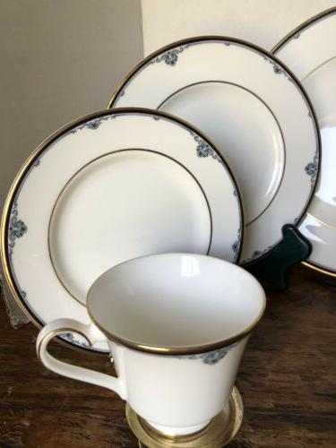 ROYAL DOULTON 20 PC PLACE MADE IN ENGLAND NEW