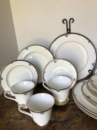 ROYAL 20 PC PLACE SETTING 1985 MADE IN