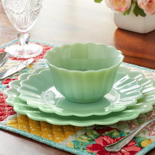 The Pioneer Timeless Beauty 3-Piece Dinnerware Jade