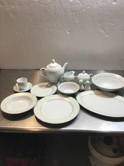 Lorren Home Trends Orchid Silver Accent 57-piece Porcelain D