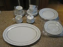 Oxford Dinnerware 20 Pc. Holyoke Pattern Collection