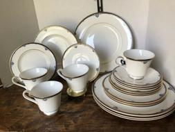 ROYAL DOULTON PRINCETON  20 PC PLACE SETTING 1985 MADE IN EN