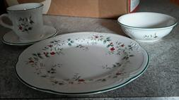 Pfaltzgraff Winterberry Dinnerware Set OF 32 PCS SERVICE FOR